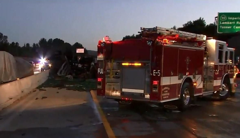 Camión se vuelca en autopista 57, derramando combustible y ocasionando demoras