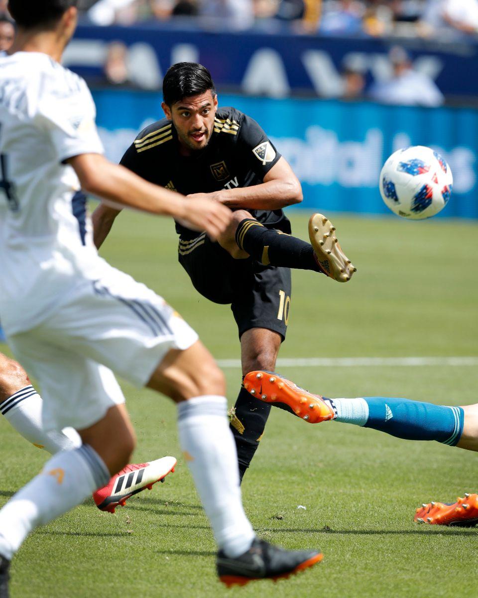 Vela y el LAFC dicen que no perdieron por Ibrahimovic, sino por sus propios errores