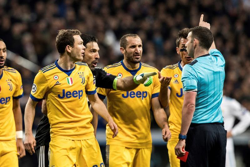 Por este insulto, el árbitro expulsó a Buffon, portero de la Juventus