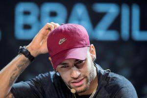 """Novia de Neymar está dispuesta a """"cambiarlo por cualquiera"""""""
