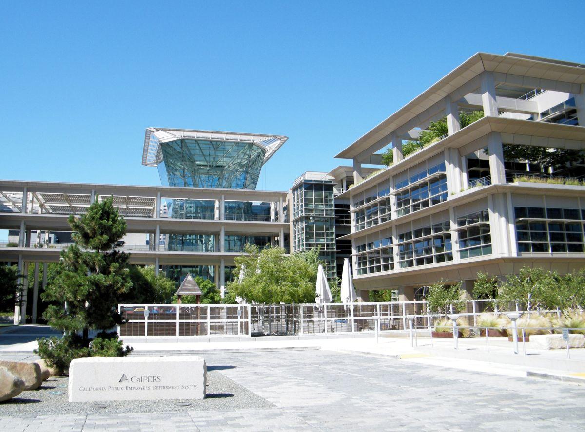 Ciudades de California y distritos escolares al borde de la insolvencia