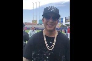Daddy Yankee hizo lanzamiento de honor en el segundo partido de las Mayores en Puerto Rico