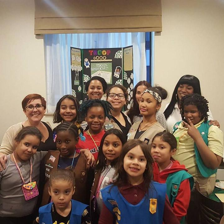 """Una tropa de """"Girl Scouts"""" sin hogar vende récord de galletas"""