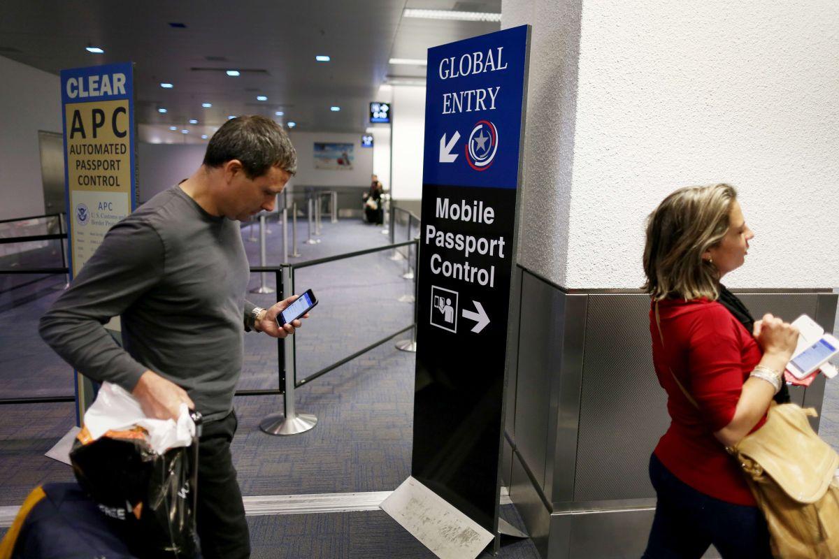 Hay visitantes de al menos 40 países a los EEUU no exige visa.