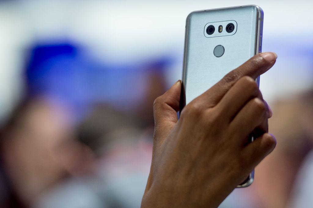 5 excelentes teléfonos inteligentes no fabricados por Apple ni Samsung