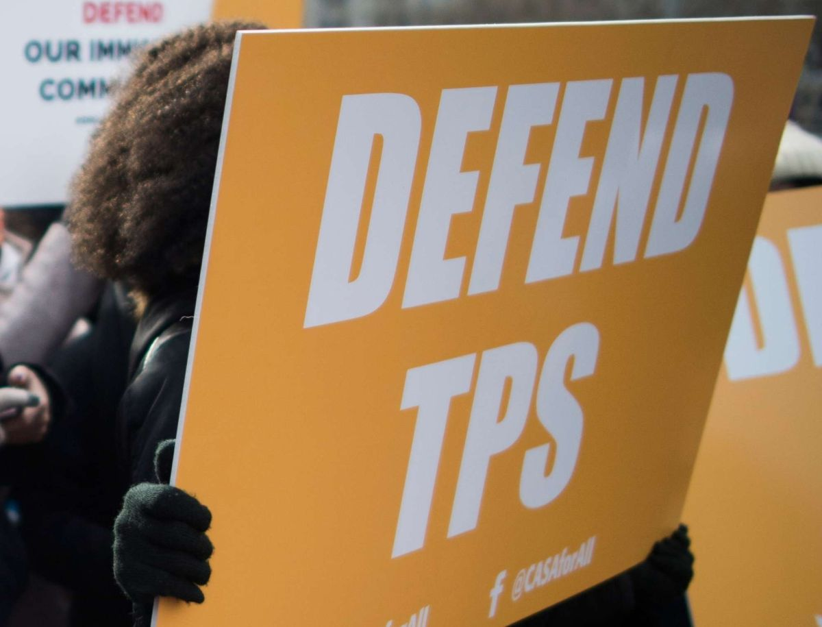 Gobierno de Trump cancela otro TPS y da un año a nepalíes para dejar EEUU