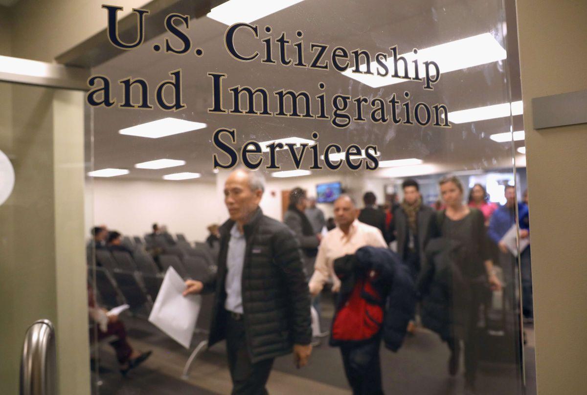USCIS recibe las solicitudes para visas H-1B de 2019.