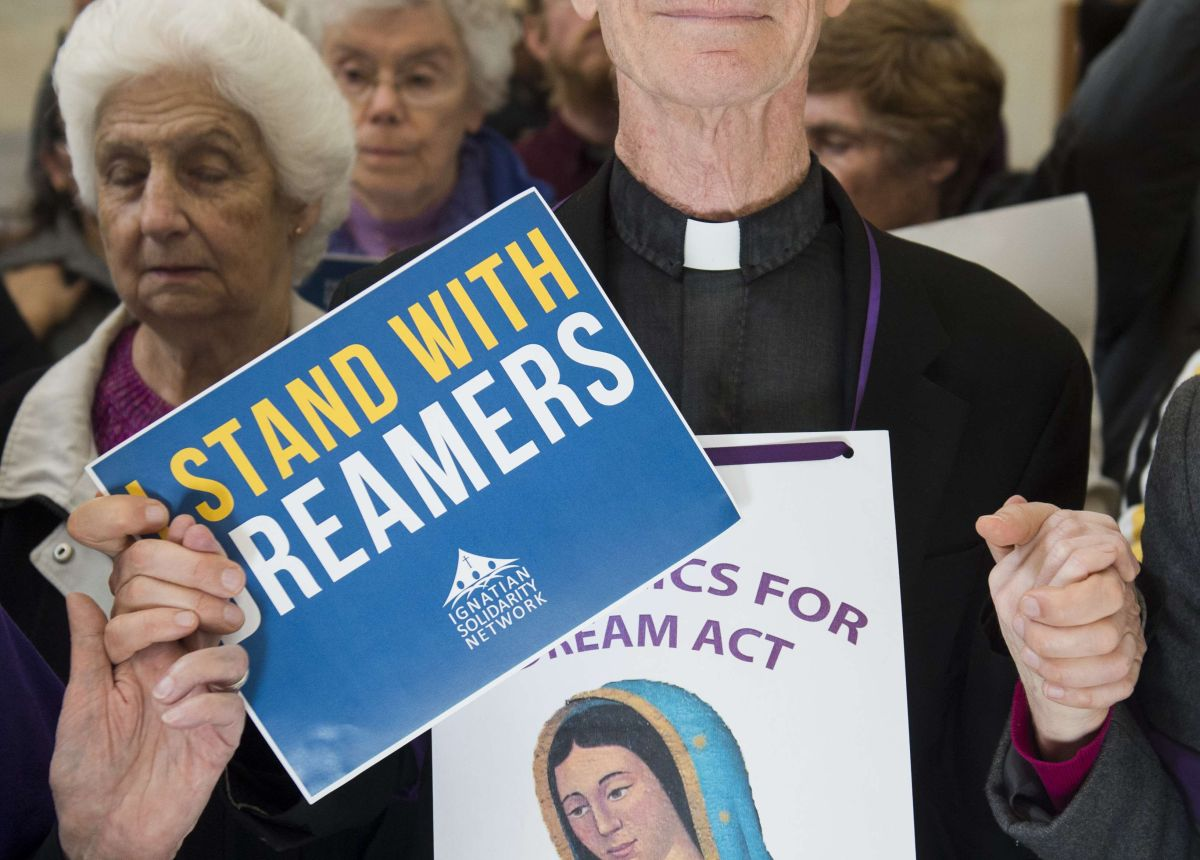 """Activistas mantienen su lucha para defender a """"Dreamers""""."""