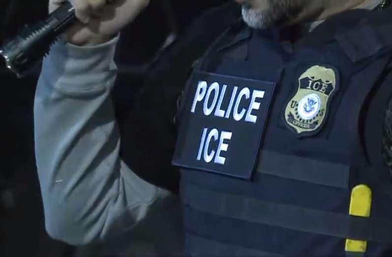 ICE detiene a varios empleados de restaurantes y espanta a otros trabajadores