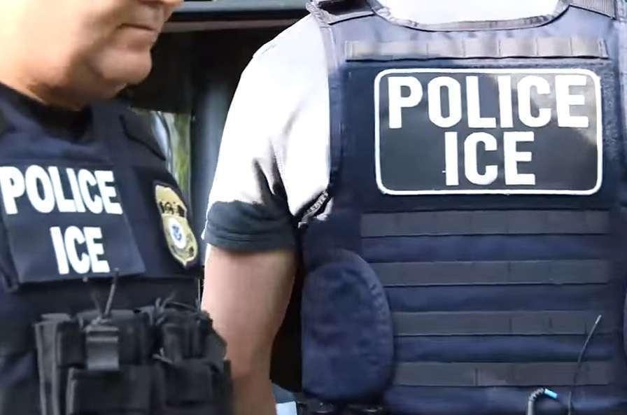 Activistas desatan alertas por operativos de ICE.