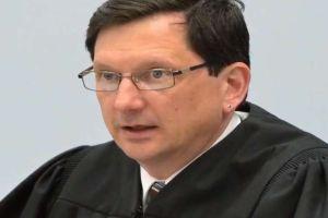Juez está a punto de perder su trabajo por tener sexo oral en sus oficinas