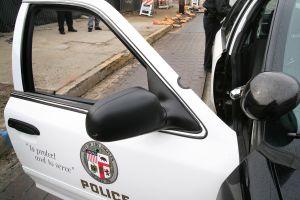 Buscan a responsable de atropellar fatalmente a hombre en el sur de Los Ángeles