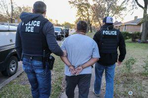 Mega operación de ICE en Texas deja más de 100 indocumentados capturados