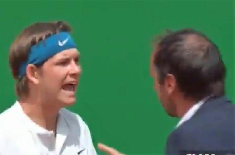 Tenista encolerizado enfrenta a un juez de silla en Montecarlo