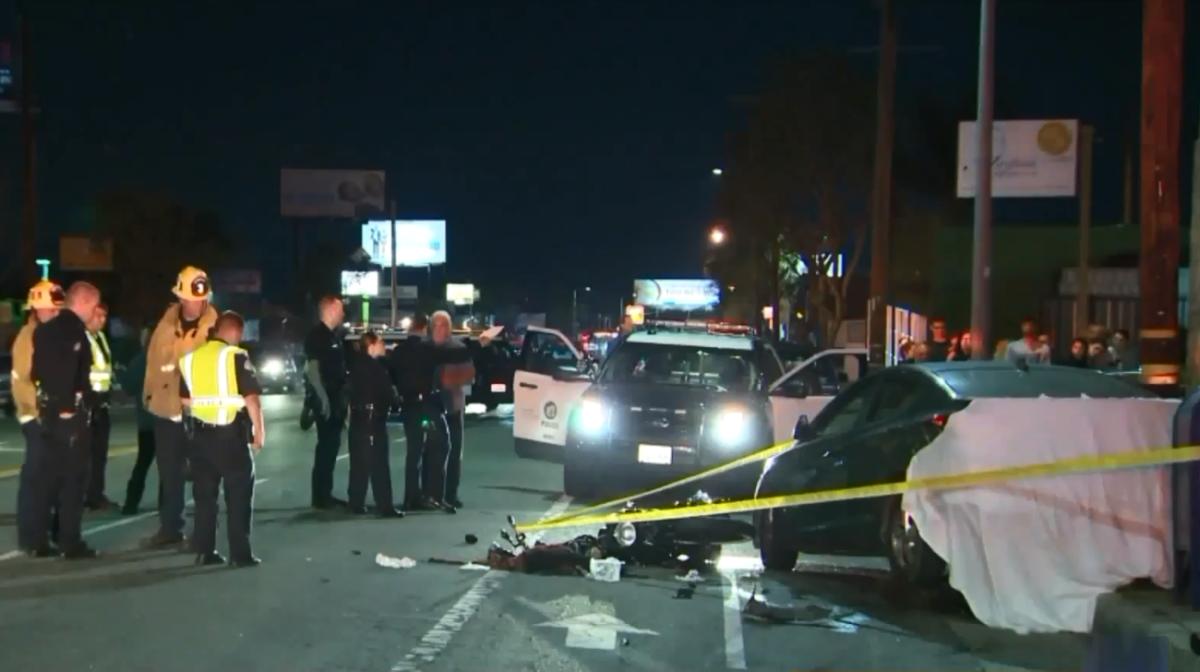 El vehículo que chocó contra la moto fue encontrado a una milla del sitio del accidente, pero el conductor había huido.