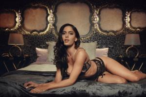 Así son las impresionantes curvas de la novia de Maluma, Natalia Barulich