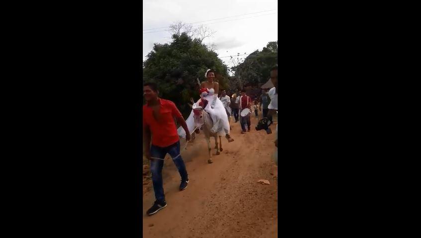 Video: El sorpresivo arribo de una novia mexicana a su boda que se hizo viral