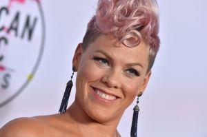 Mira lo que le hizo Pink en el pelo a su hija para solidarizarse con Jessica Simpson