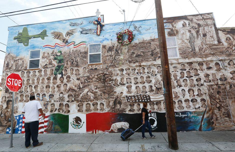 Ponen a salvo mural que honra a veteranos mexicoamericanos en Santa Ana