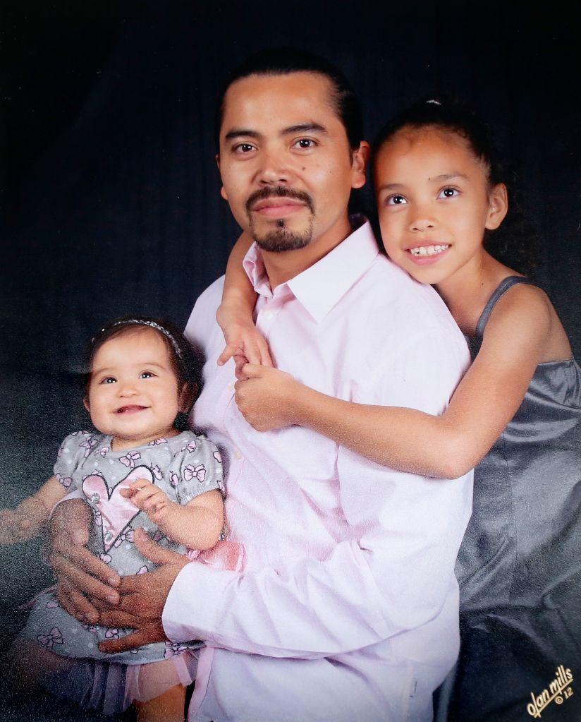Familia angelina llora la deportación del padre a Guatemala