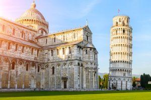 ¿Por qué la inclinada torre de Pisa sigue en pie tras 6 siglos y cuatro terremotos?