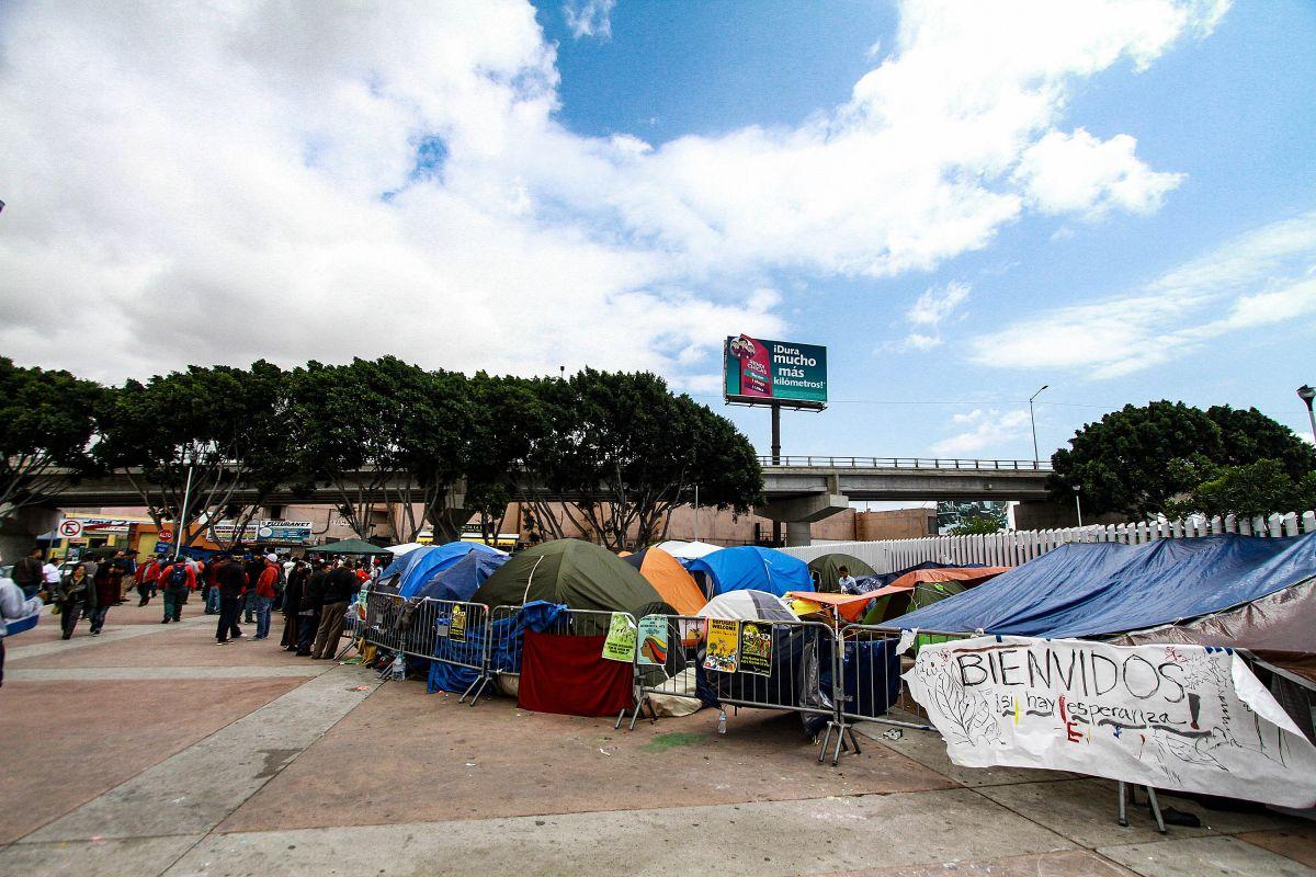 """''México no debe ser filtro de migrantes hacia EEUU"""": piden a AMLO"""