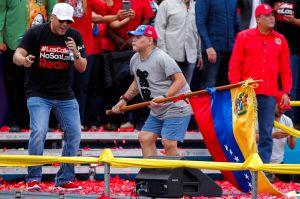"""""""El Puma"""" estalló de furia contra Maradona por su """"baile"""" a favor de Maduro"""