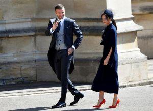 David y Victoria Beckham donarán sus atuendos de la boda real por una buena causa