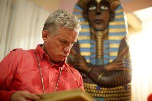 El colombiano que quiere ser sepultado como un faraón egipcio