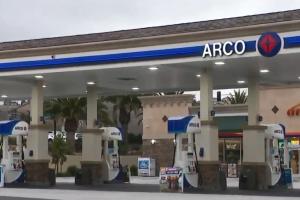 Tiroteo en gasolinera de Pomona deja un herido en estado crítico