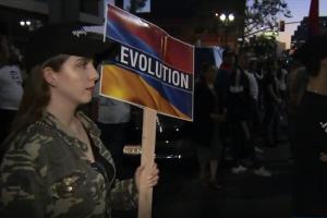 Concentración de armenios en Glendale para apoyar una nueva Armenia