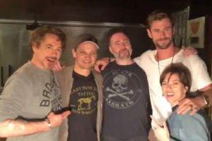 """Solo un actor de los originales falta por tatuarse el símbolo de """"Avengers"""""""