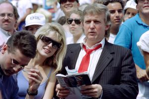 "Quién es ""John Barron"" el mentiroso alter ego de Trump"
