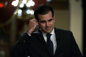 El Gobernador de Puerto Rico suspende a una empleada de su oficina por su opinión en redes