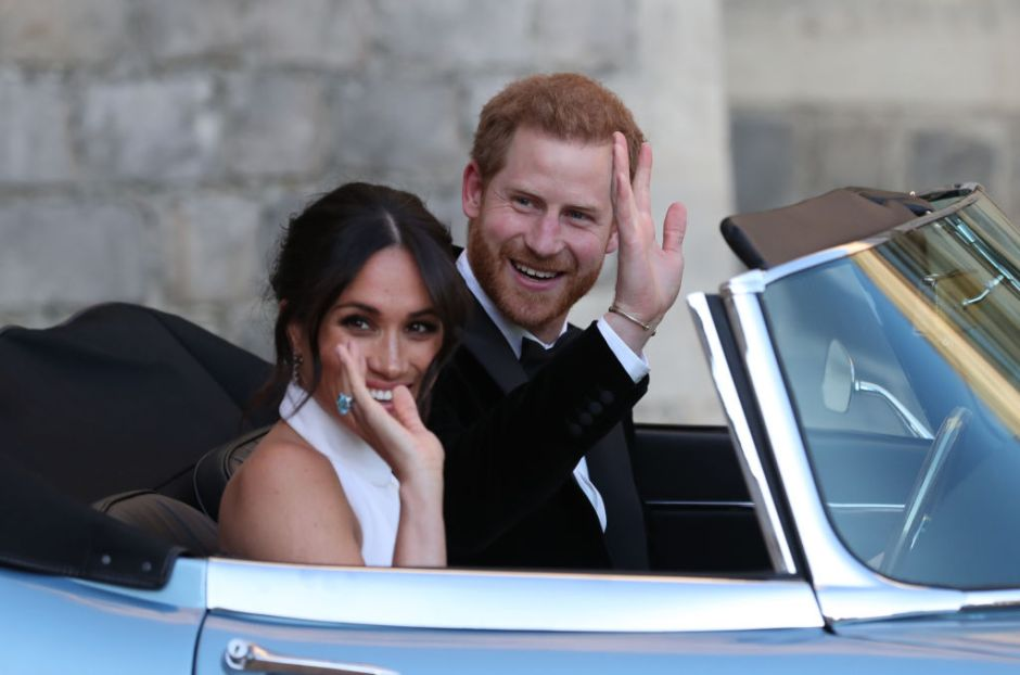 """Reina de Inlgaterra plantea """"transición"""" para Meghan y el Príncipe Harry"""