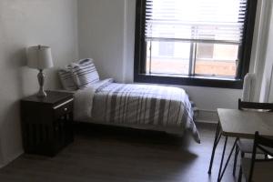 La Healthy Housing Foundation convierte viejos hoteles de L.A. en viviendas para personas sin hogar