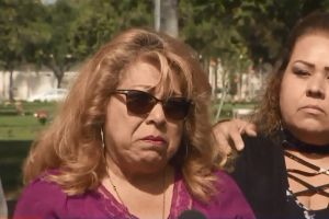 Antes del Día de la Madre, una madre pide ayuda para descubrir quién mató a su hijo de 19 años en 2007