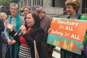 La oficina del Defensor del Pueblo de L.A. no asiste bien a los inmigrantes, según informe de ACLU
