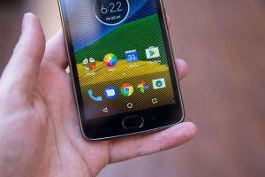 """El Moto G5 es un teléfono asequible con """"Android puro"""""""