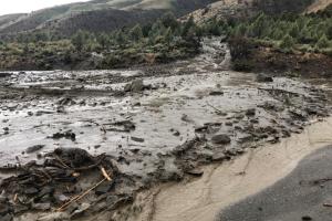 Deslizamiento de tierra provoca el cierre de la carretera 395 entre California y Nevada