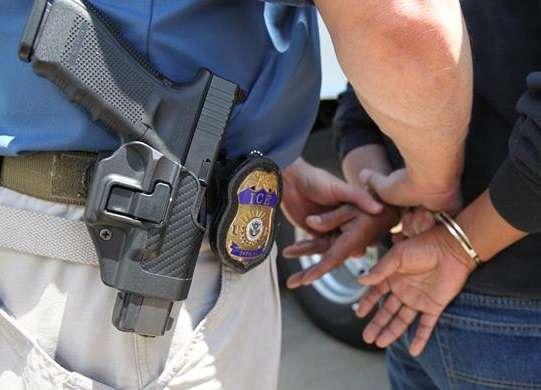 """¿En qué casos de detención un inmigrante con o sin """"green card"""" no tendrá derecho a fianza?"""