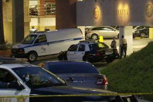 Apuñalan de muerte a mujer en estacionamiento de centro comercial en Rolling Hills Estates