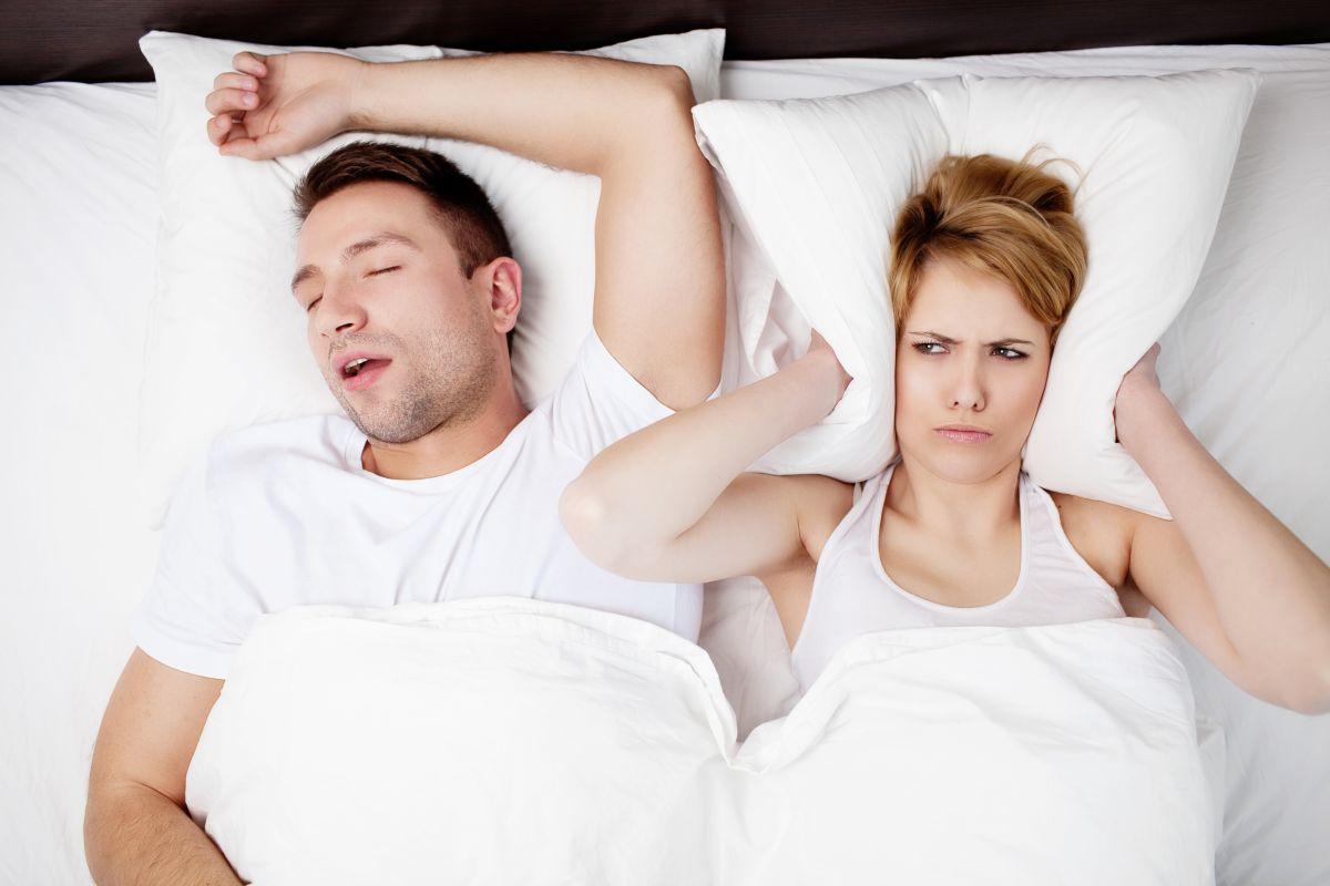 Los 5 mejores productos para evitar los ronquidos al dormir