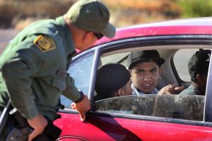 """Duro golpe judicial a """"La Migra"""" y a sus retenes ilegales"""