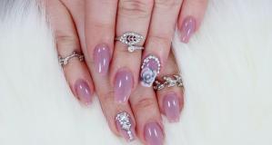 Uñas de Swarovski, aprende con este tutorial de la reina de la manicura que arrasa en Youtube