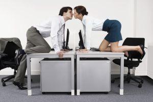 8 tips para que tu relación con un compañero del trabajo prospere