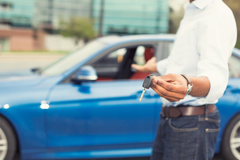 ¿Qué considerar al hacer un 'test-drive' de un auto?