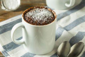Aprende a hacer brownies en una taza