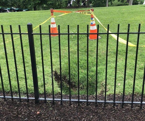 El agujero en el jardín de la Casa Blanca.