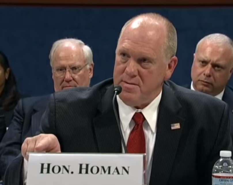 Thomas Homan defendió la labor de los agentes migratorios.